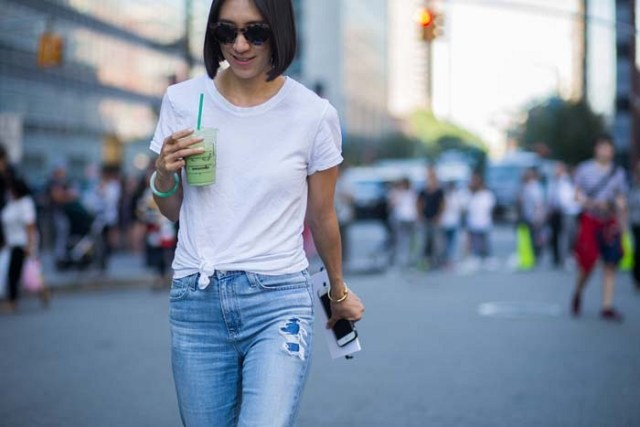 tied white t-shirt boyfriend jeans