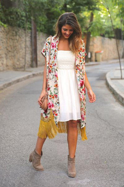 pink short-sleeved cardigan with white chiffon fit and flared dress