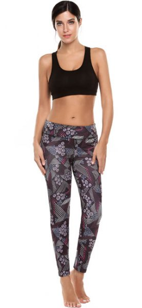 black short tank top with gray printed sports gaiters