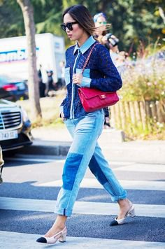 Dark blue knit sweater with patch boyfriend jeans and cap toe shoes