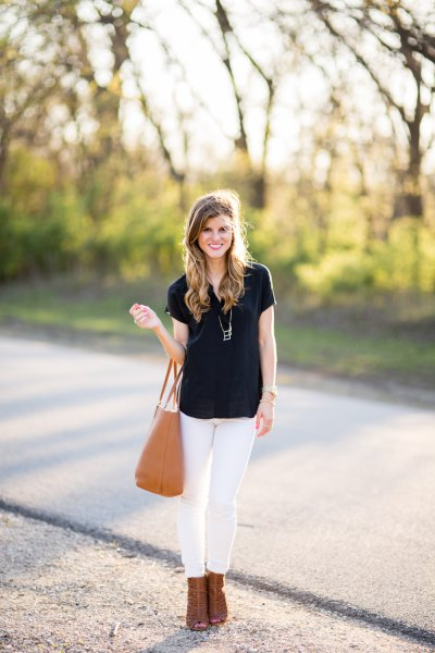 black t-shirt with white skinny jeans and camel ankle heels