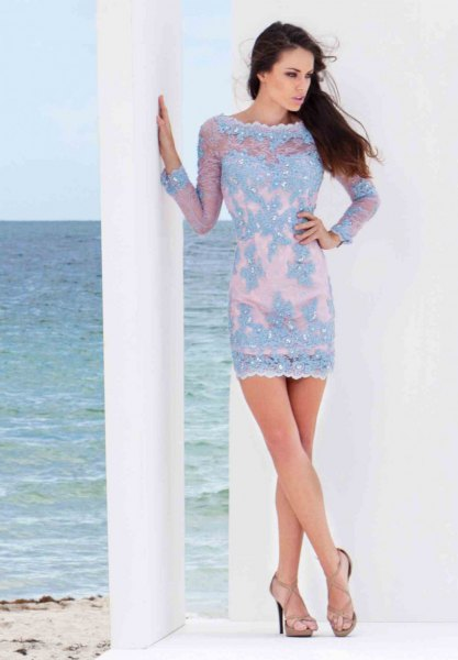 light blue mini bodycon dress with a boat neckline and pink open toe heels