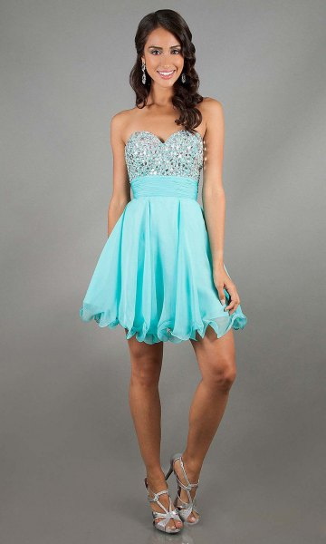 Sweetheart neckline fit and flare mini pleated chiffon dress