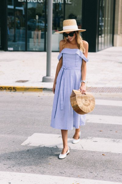 Off shoulder fit and flared midi dress with straw hat
