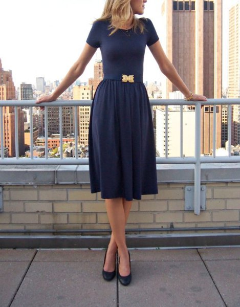 Fit and flare dark blue midi dress with rounded toe heels
