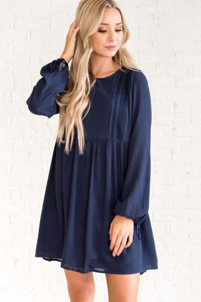 Navy blue babydoll short dress with white sandals