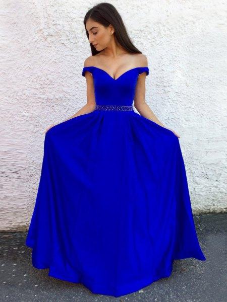 Royal blue sweetheart neckline belt maxi flowing dress