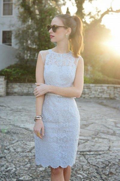 Sleeveless light blue bodycon midi dress with scalloped hem