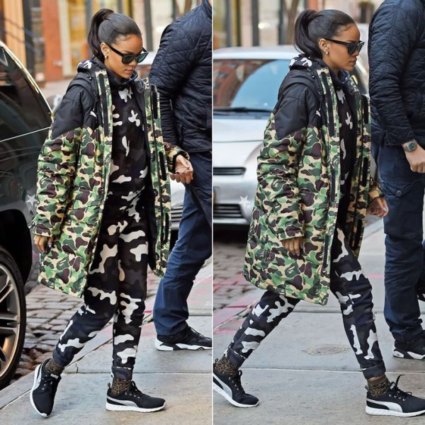 Midi camo jacket with matching trousers and sneakers