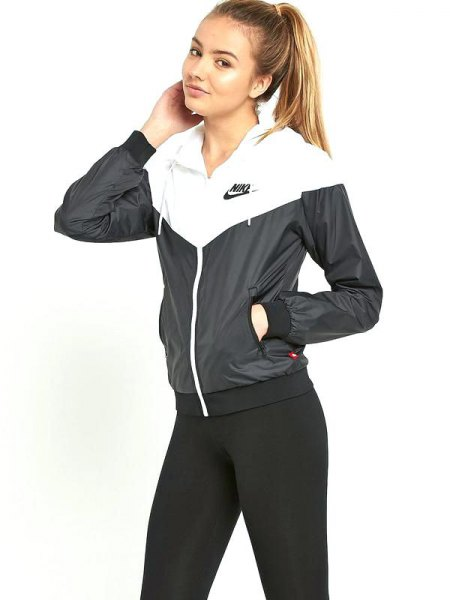 Windbreaker with high waisted black skinny jeans
