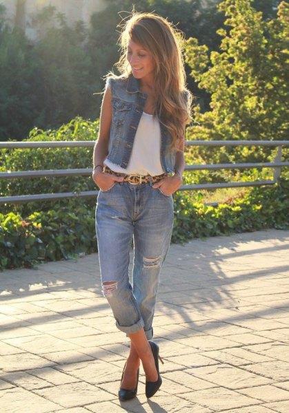 white tank top with blue bound boyfriend jeans