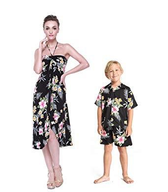 Midi dress in black and white printed Midi-Hawaii style