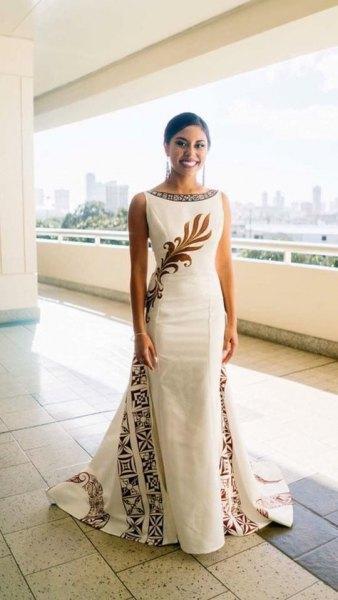sleeveless Hawaiian tribal printed floor-length wedding dress