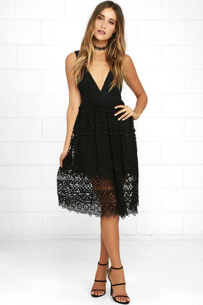 Deep V-neck fit and flare midi lace dress with collar