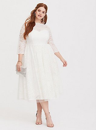 Three-quarter sleeves plus size white lace midi dress