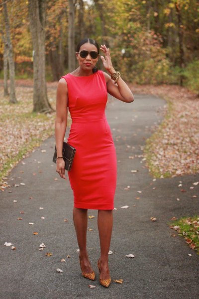 red sleeveless bodycon midi dress with pink heels