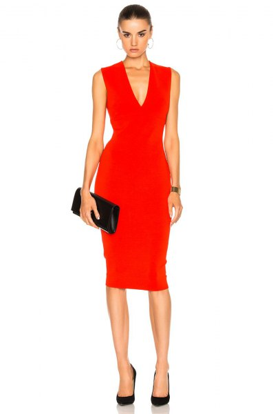 red sleeveless midi dress with V-neck and black leather clutch