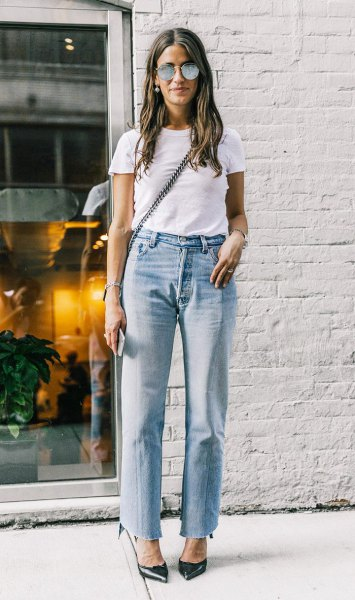 white t-shirt with blue straight leg mom jeans and black heels