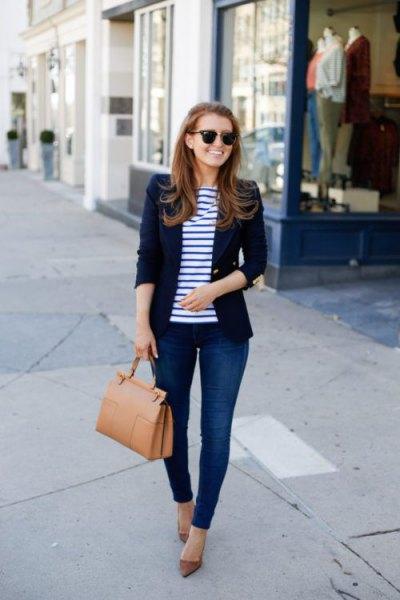 dark blue blazer with striped t-shirt and skinny jeans