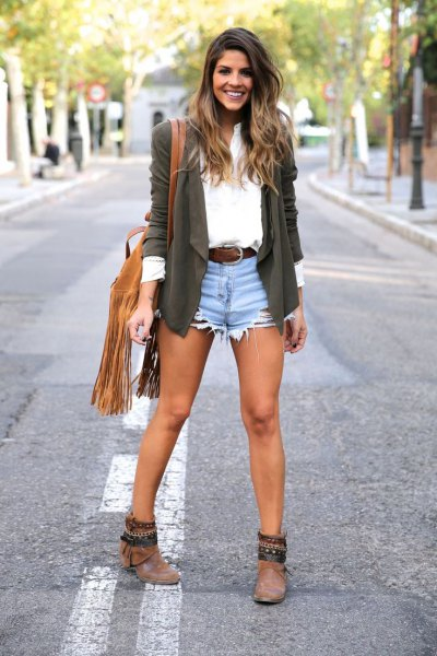gray blazer with white shirt and blue denim shorts
