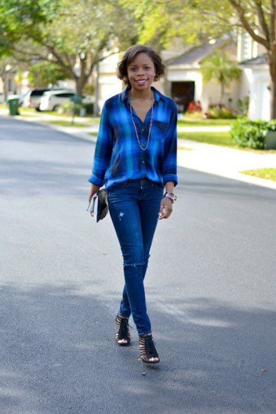 blue checked shirt with skinny jeans and short boots with open toes