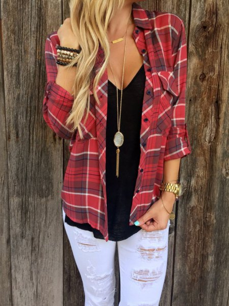 red flannel shirt with boho style necklace and boyfriend jeans