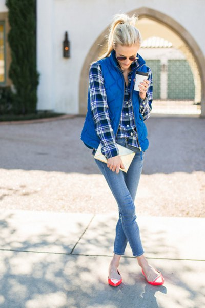 blue checked boyfriend shirt with quilted vest and skinny jeans