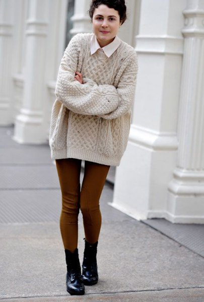 Light gray, oversized, coarse knitted sweater with a white collar shirt