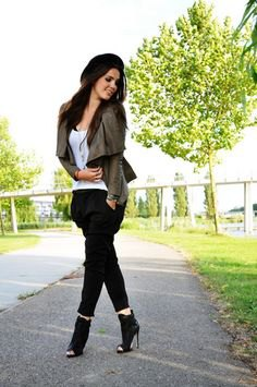 green blazer with white tank top and black peep-toes with heels