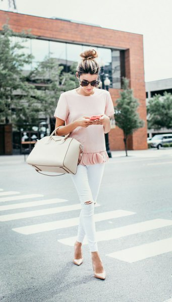 pale pink t-shirt with frill hem and white capri leggings