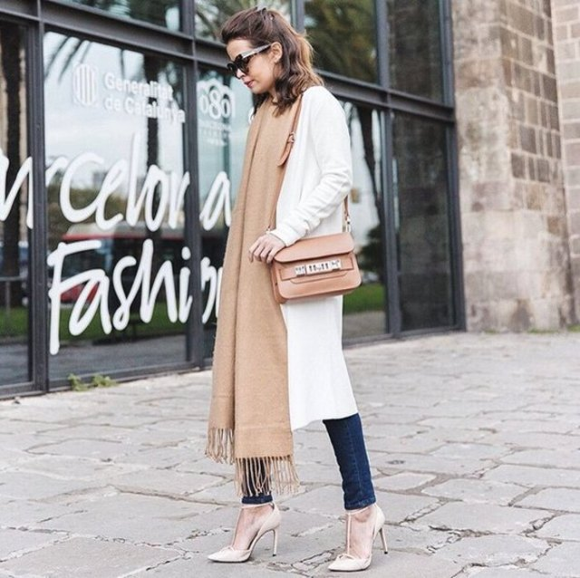 white cardigan with long cardigan, dark skinny jeans and blushing scar in maxi length