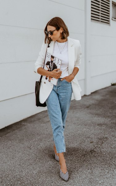 Blazer with mom jeans and black and white checkered heels