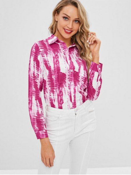 pink and white batik long-sleeved shirt with buttons and skinny jeans