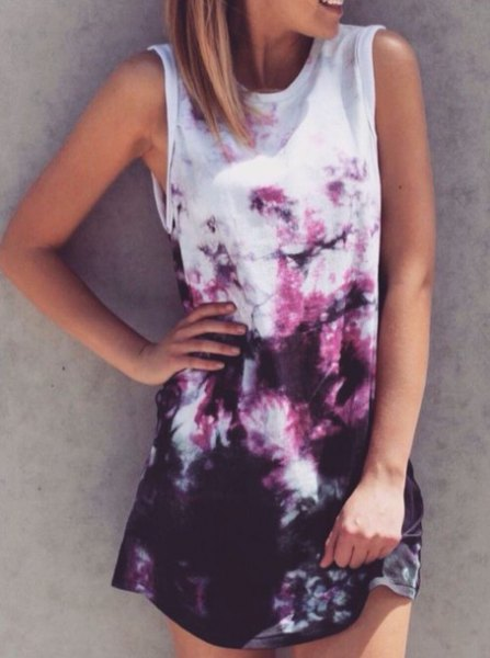 sleeveless shirt dress with white and black tie color