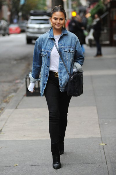 Denim jacket with black skinny jeans and ankle boots