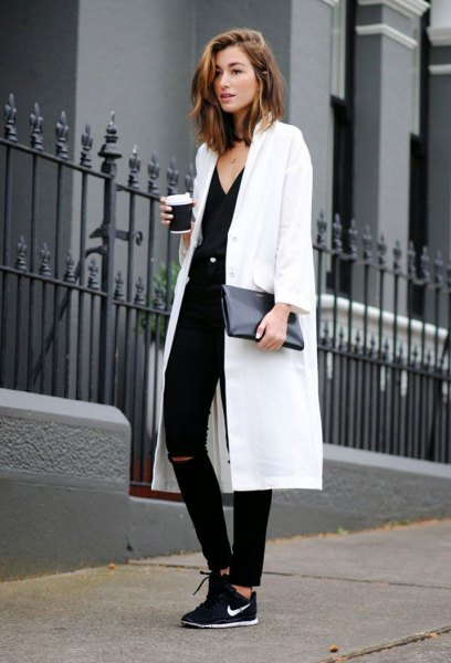 white maxi blazer with v-neck and black hiking shoes