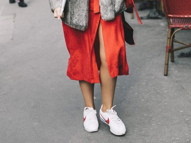 red midi high split shirt dress with white walking sneakers
