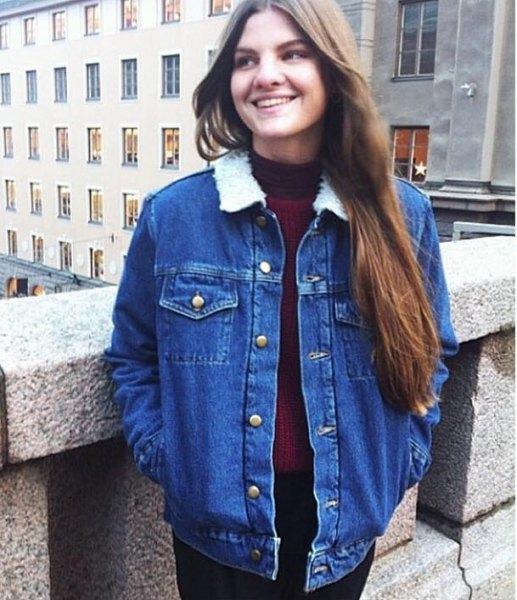 blue denim jacket with black skinny jeans