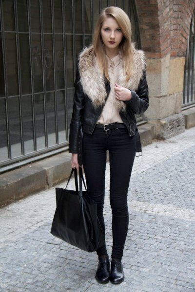 Biker jacket with faux fur collar and black skinny jeans