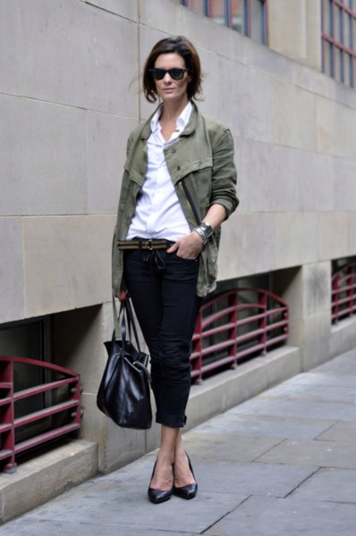 gray blazer with white shirt and black jeans with cuffs