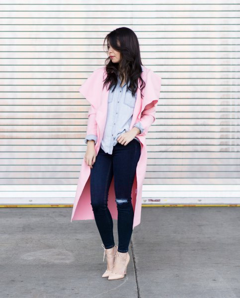 Ivory longline blazer with light blue chambray shirt and blushing pink heels