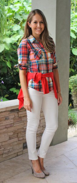 red-blue checked boyfriend shirt with cream-colored jeans