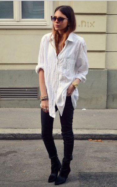 white linen oversized shirt with buttons and black skinny jeans