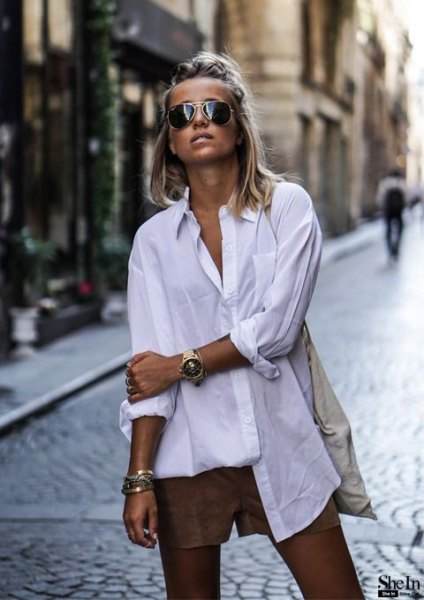 white tunic shirt with small green shorts