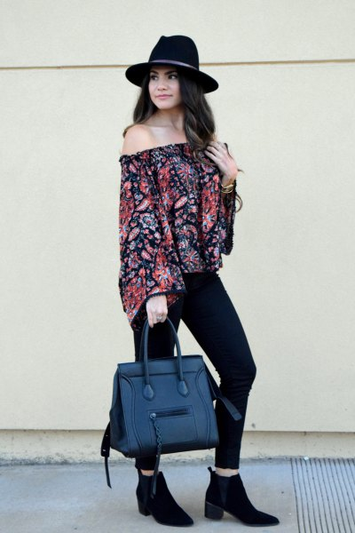 strapless blouse with floral pattern and handbag made of artificial jeans