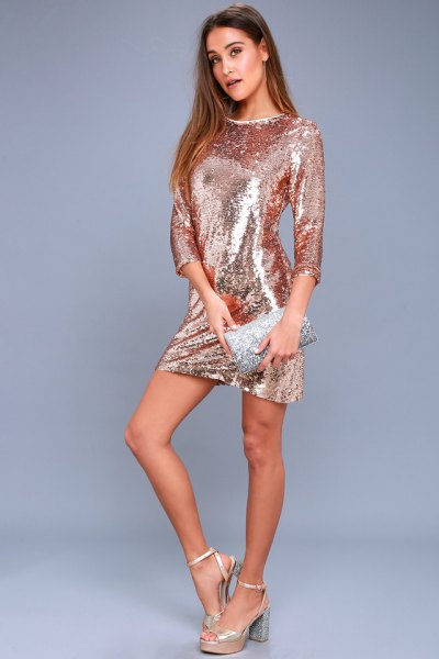 Bodycon dress with three-quarter sleeves in rose gold and matching wallet