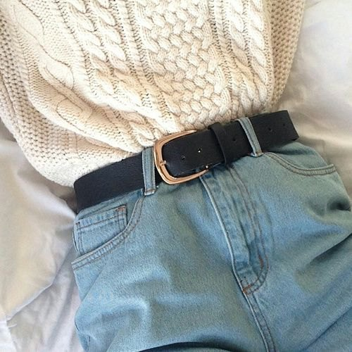 white knitted sweater with belt and mom jeans shorts with belt