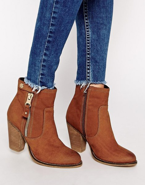blue slim fit jeans with suede camel ankle boots with zip