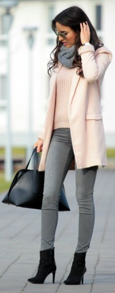 white rib sweater with gray skinny jeans and ankle boots with heels