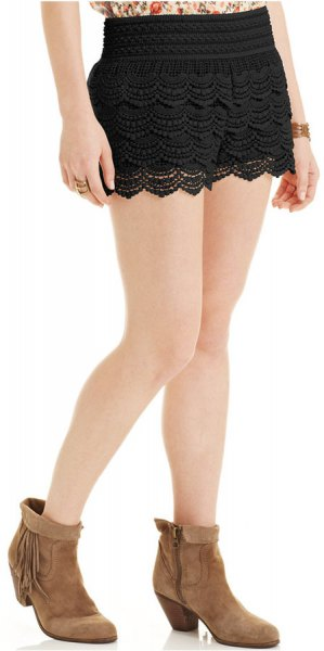 Mini knit shorts with black lace hem and blush top with floral print